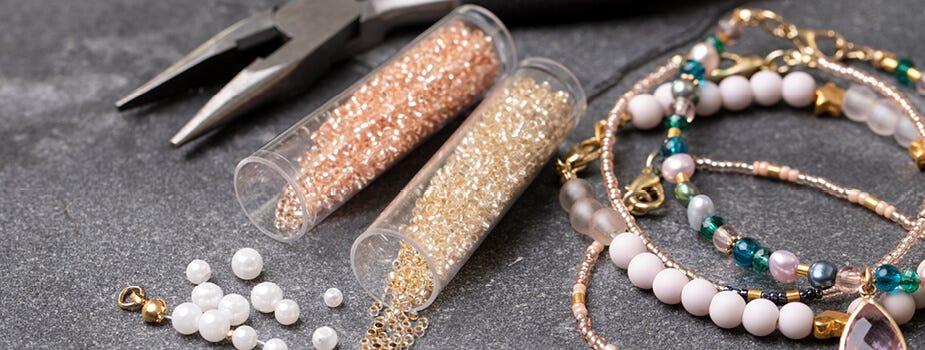 Perlen und Zubehör für die Schmuckanfertigung