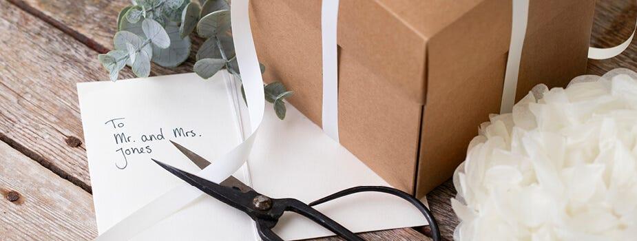 Party-Artikel, Karten und Geschenkverpackungen