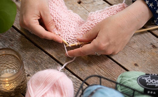 Lær at strikke med denne guide og strikketeknikker
