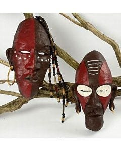 Verzierte afrikanische Masken