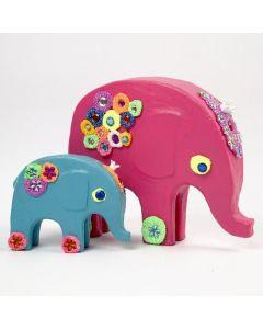 Pappmaché-Figuren mit Foam Clay verziert