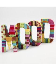 Buchstaben mit Plus Color Bastelfarbe bemalt