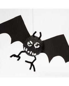 Styropor-Fledermaus mit Foam Clay
