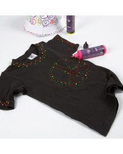 Schwarzes T-Shirt, verziert mit 3D-Liner