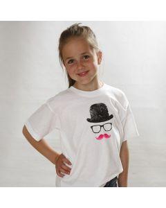 Ein T-Shirt mit Hut, Brille und Moustache