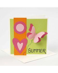 Grußkarte mit Motiven, die mit Schablone auf einer Big Shot Stanz-/Präge-Maschine angefertigt wurden.