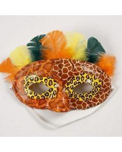 Découpage und farbige Daunenfedern auf einer Halbmaske
