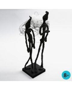 Skulptur aus Blumendraht, Klebeband und Foam Clay