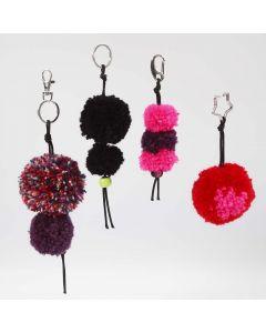 Schlüsselanhänger aus Pompons