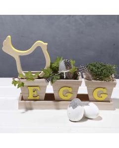 Ein für Ostern dekoriertes Blumentopf-Set