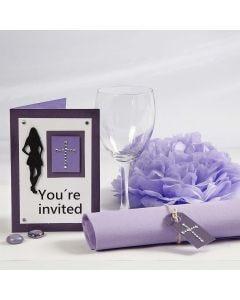 Einladung und Tischdeko für eine Konfirmationsfeier in Lila