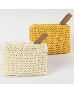 Gestricktes Täschchen aus Baumwoll-Schlauchgarn