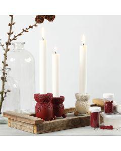 Kerzenständer, verziert mit Bastelfarbe und kleinen Glasperlen