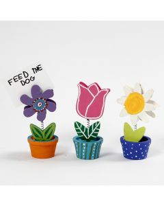 Holz-Blumentöpfchen, bemalt mit Plus Color Bastelfarbe