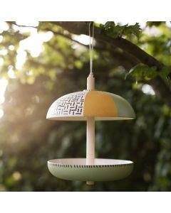 Vogelfutterstation aus Bambusfasern, bearbeitet mit Plus Color Bastelfarbe