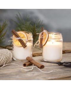 Kerzen aus Rapswachs in Marmeladengläsern