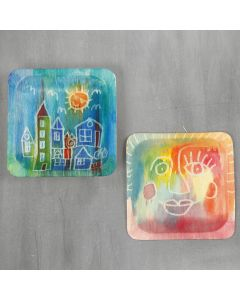 Mit Zeichengummi und Aquarellfarbe auf Holz gemalte Bilder
