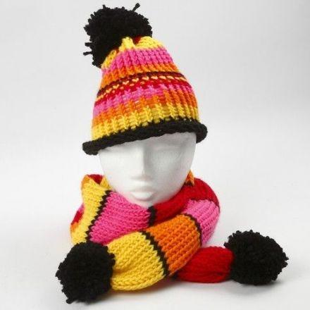 Mütze und Schal, angefertigt mit einem Strickring