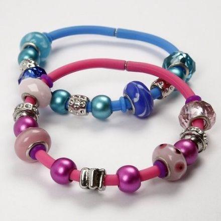Silikon-Armbänder mit Perlen