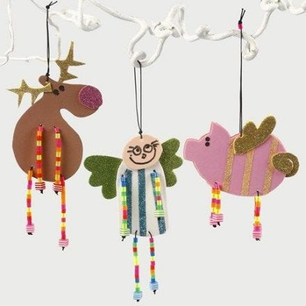 Weihnachtsfiguren aus Moosgummi mit perlenbesetzten Beinen
