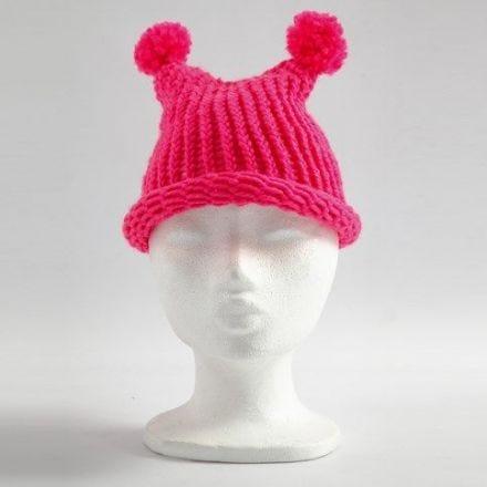 Mütze mit zwei Pompons - gestrickt mit Strickrahmen