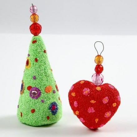 Weihnachtsschmuck aus Styropor mit Foam Clay und Facetten-Perlen