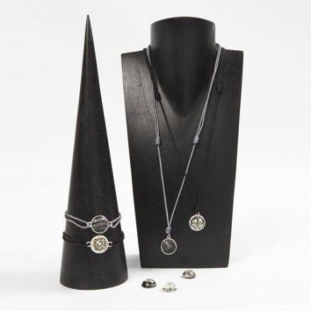 Schmuck mit Cabochons auf Verbinder-Perlen