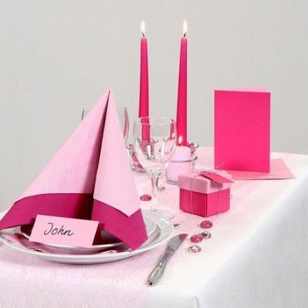 Festliche Tischdeko in Rosa/Pink