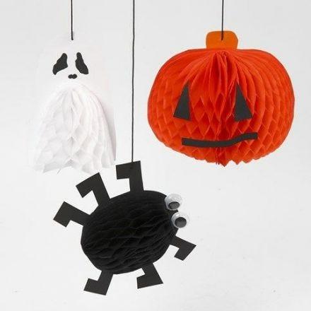 Hängedeko für Halloween aus Wabenpapier