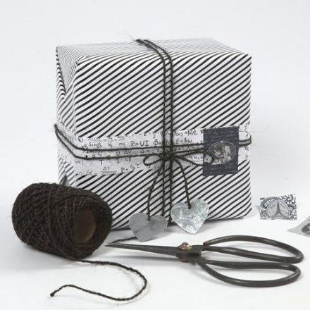 Geschenkverpackungen mit Vivi Gade Design Papier und Dekorationen