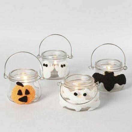 Halloween-Laternen, verziert mit Foam Clay