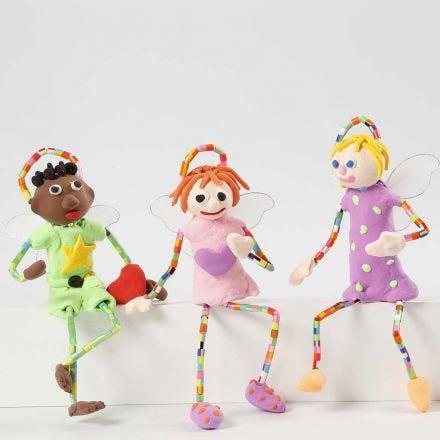 Engel aus Pfeifenreinigern, Silk Clay und Bügelperlen