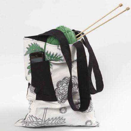 Beutel mit Schulterbändern und Fronttasche