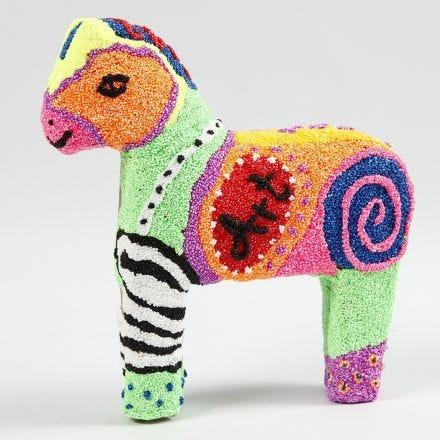 Pappmaché-Figur ummantelt mit Foam Clay