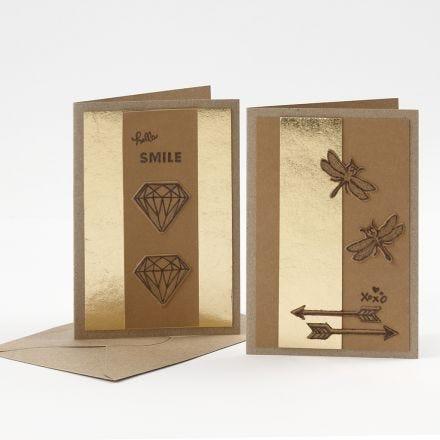 Grußkarten, verziert mit Kunstlederpapier und Brennmalstift