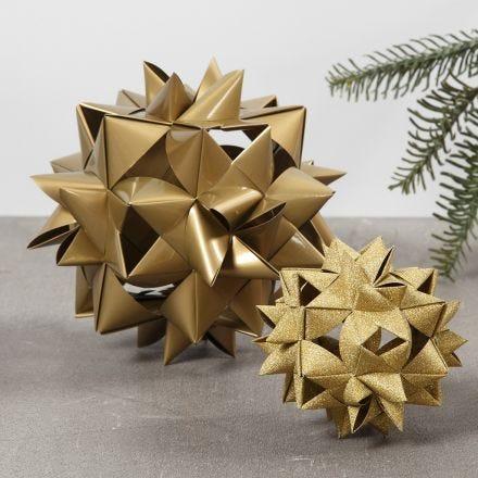 Großer Flechtstern, gefertigt aus 24 Papiersternstreifen