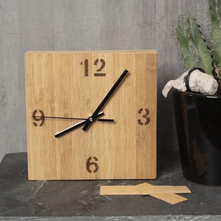 Uhrengehäuse, verziert mit Bambusfurnier