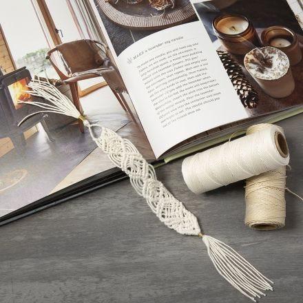 Makramee-Lesezeichen, geflochten aus Bambusfaserkordeln