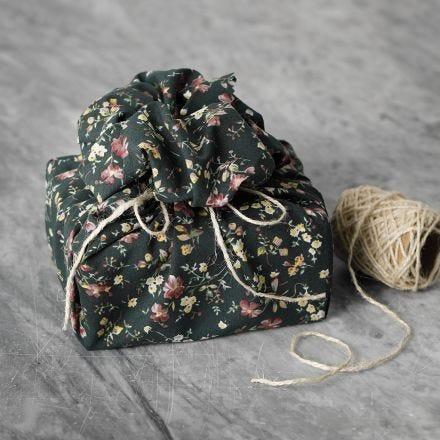 Wiederverwendbare Geschenkverpackung aus Patchwork-Stoff