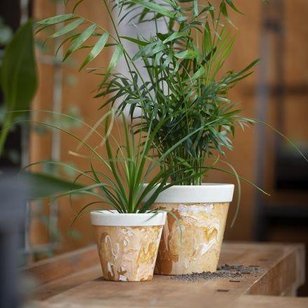 Bambus-Blumentopf mit Marmorierungseffekt