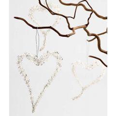Herz aus tropfenförmigen Glasperlen