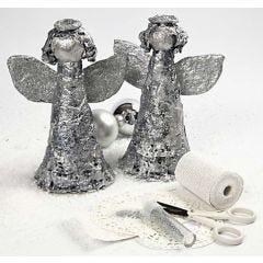 Engel mit Gipsbandagen