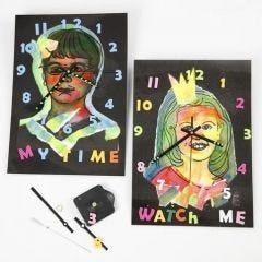 Laminierte Uhren