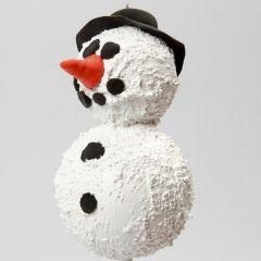 Ein Schneemann aus Styroporkugeln und Strukturpaste