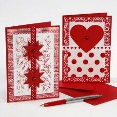 Karten, verziert mit handgeschöpftem Papier