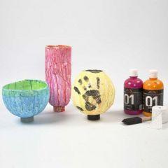 Vasen aus Gipsbandagen auf Luftballons