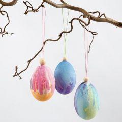 Eier, mit Wasserfarben bemalt