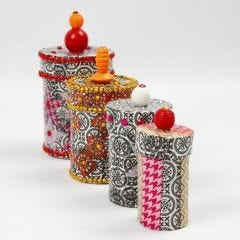 Pappmaché-Schachteln mit Decoupage, Strasssteinen und Perlen