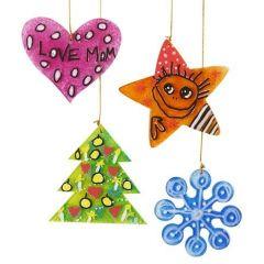Weihnachtliche Anhänger aus Acryl - bemalt und beschriftet