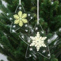 Acryl-Sterne mit Filz-Schneeflocken und grafischen Verzierungen
